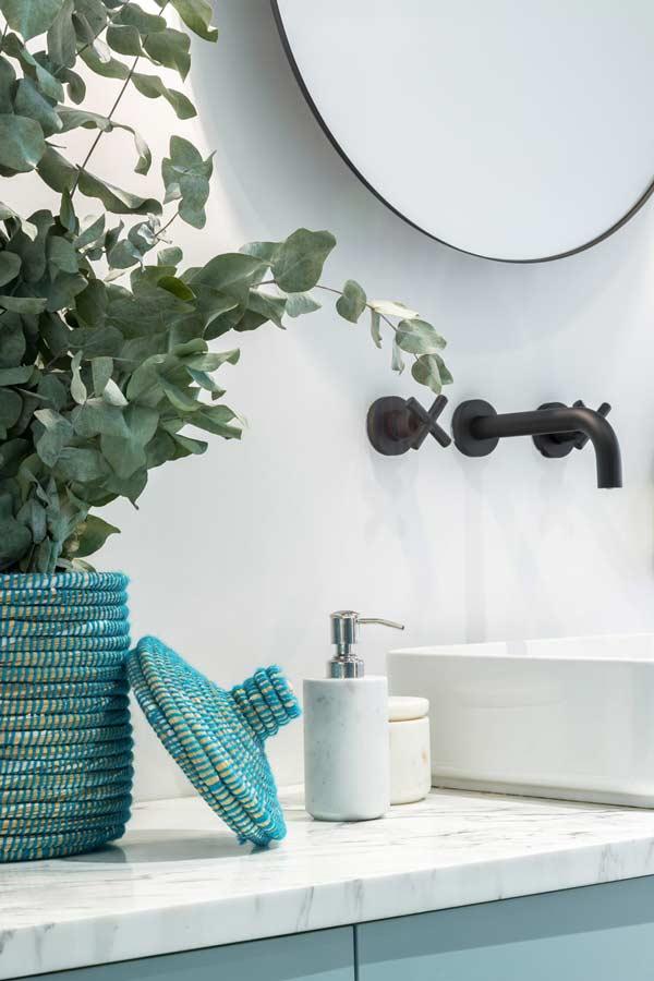 配备淋浴间或浴缸的公寓